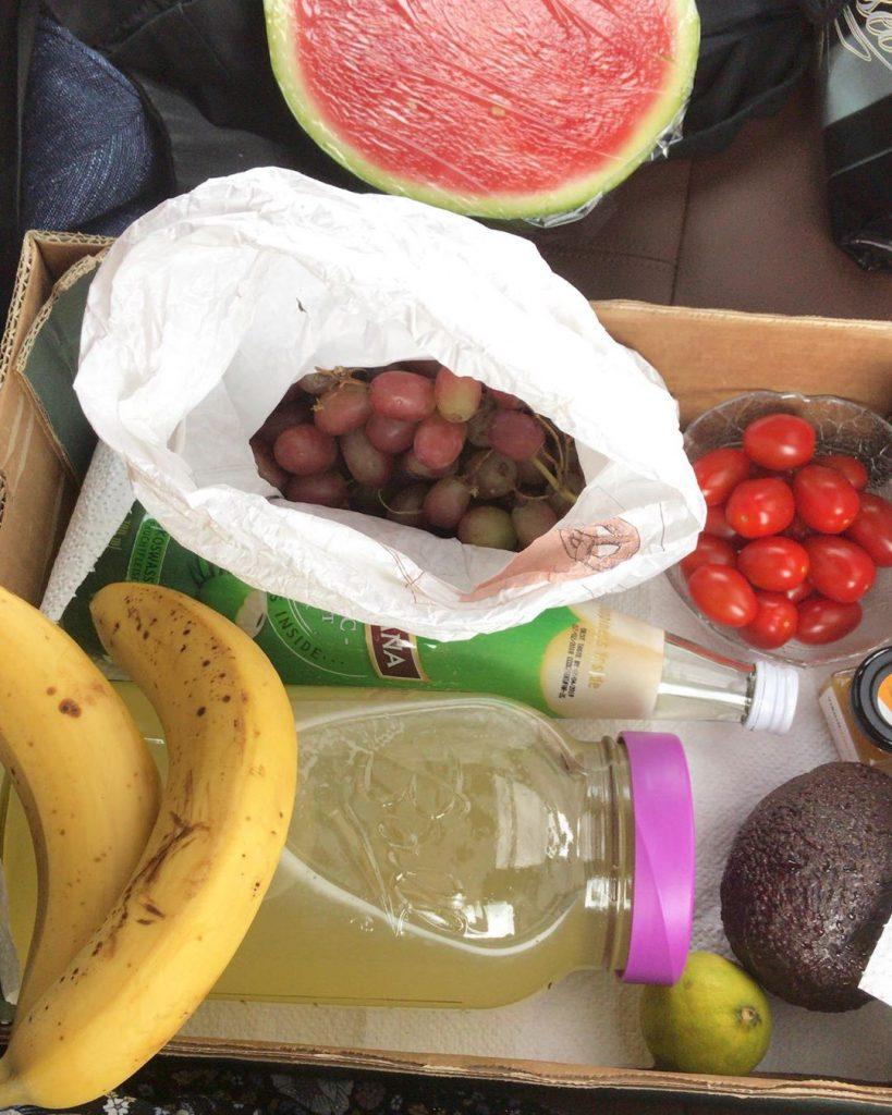 Bild zu Rohvegan auf einer Hochzeit - Mitgebrachtes Essen