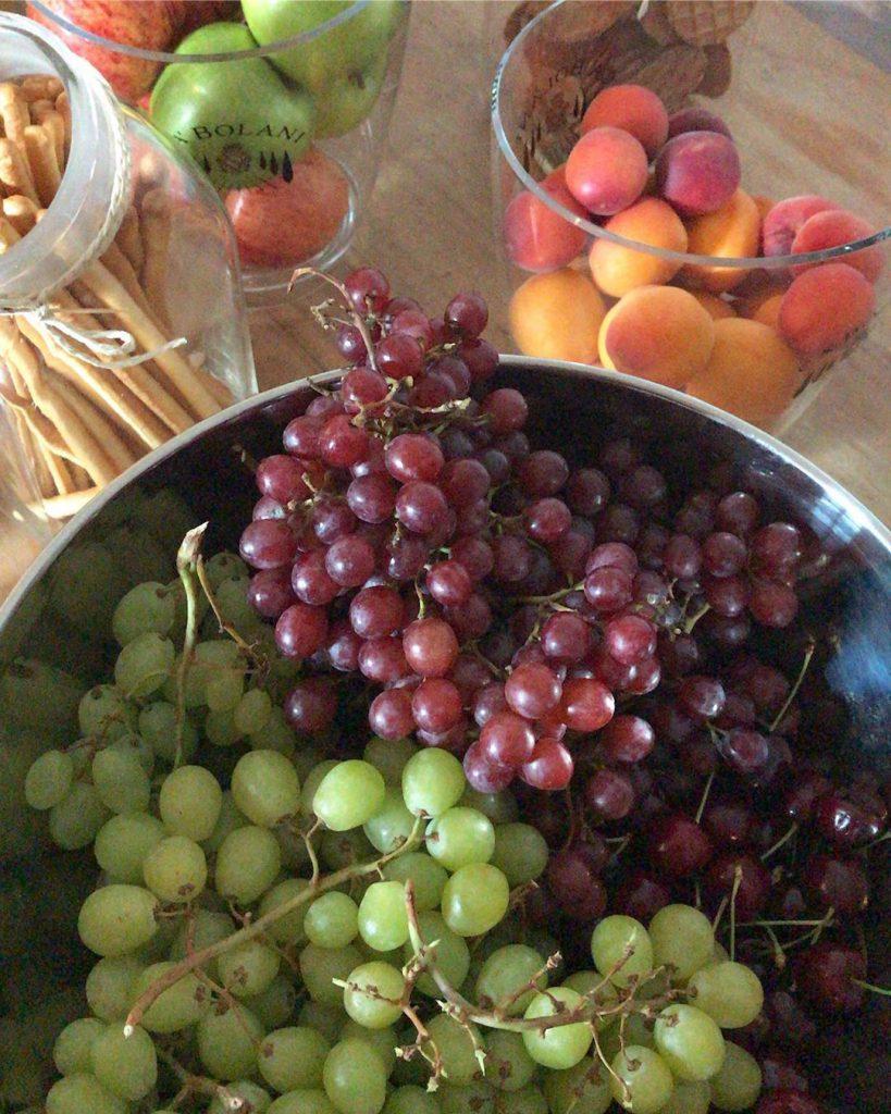 Bild zu Rohvegan auf einer Hochzeit - Früchtebuffet