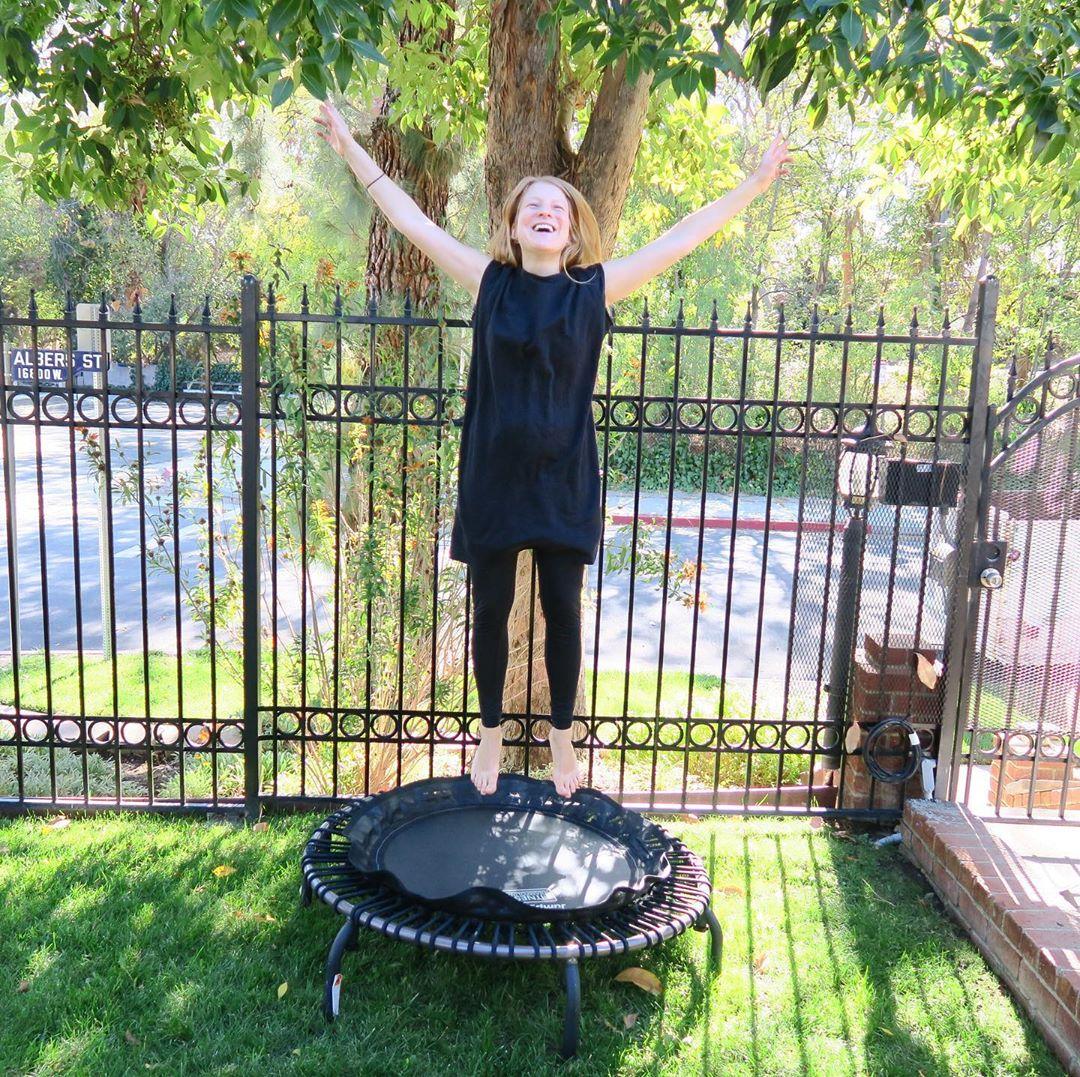 Bild zu Trampolin springen - Spaß und Entgiftung